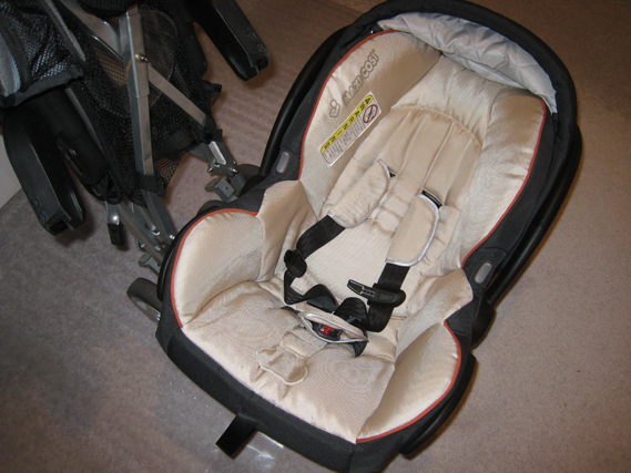 Maxi-Cosi Mico Infant Car Seat and Maxi-Cosi Stroller
